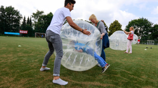 Yunaball - Bubblefußball